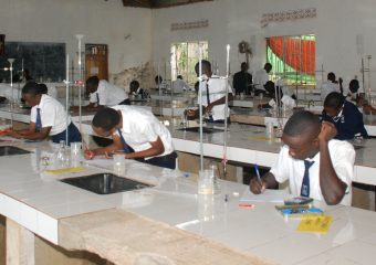 Students in Chemestry Lab